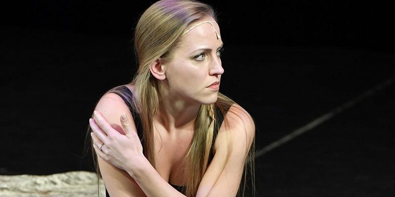 První Čarodějka odtajněna: Mrkněte na krásnou blondýnku z Brna. Takhle nádherně zpívá